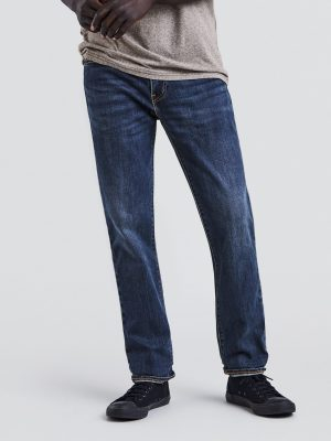 Modell i Levis 511 Slim fit jeans Crocodile adapt front