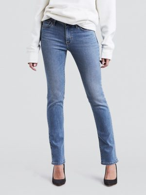 Modell i Levis 712 Slim Jeans Keep it cool front