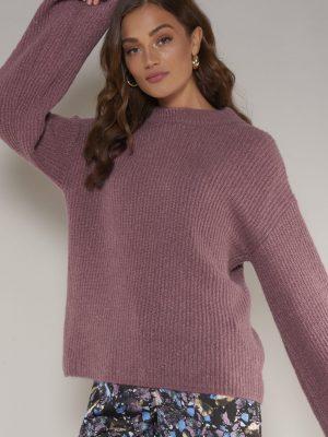 Modell i en Rut&Circle Wide sleeve pullover old rose