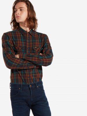 Närbild modell i en Wrangler modern western shirt